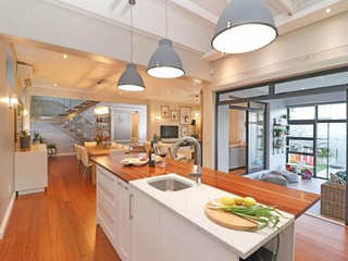 Perfect vision from kitchen to living areas